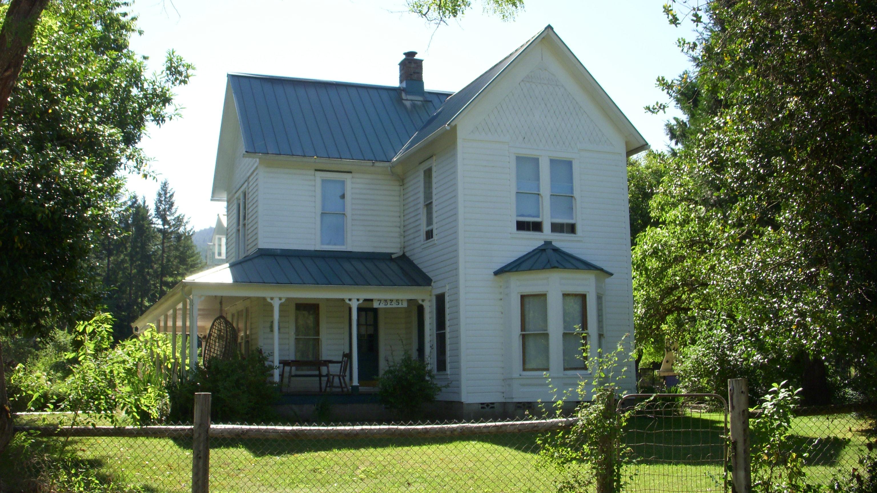 History willamettestrategies for Vintage farmhouses
